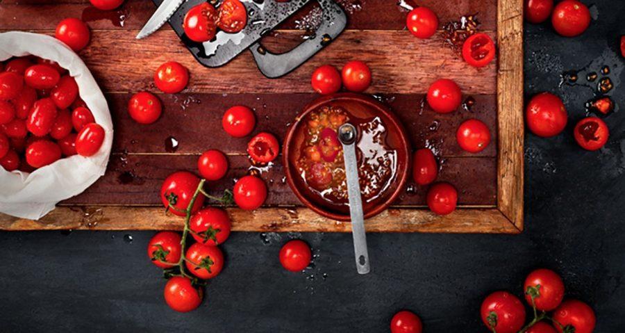 پنیر به همراه گوجه